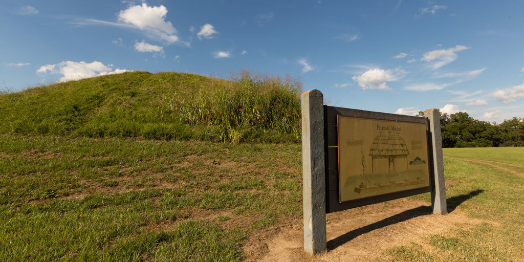 Sign for emerald mound outdoors